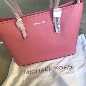 Michael Kors Jet Set tote NWT in Pink!